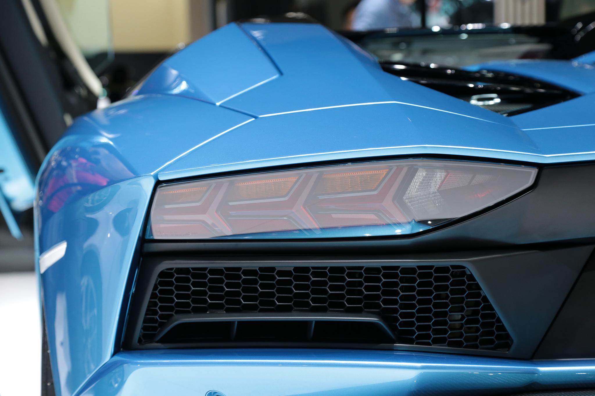 兰博基尼Aventador外观图片