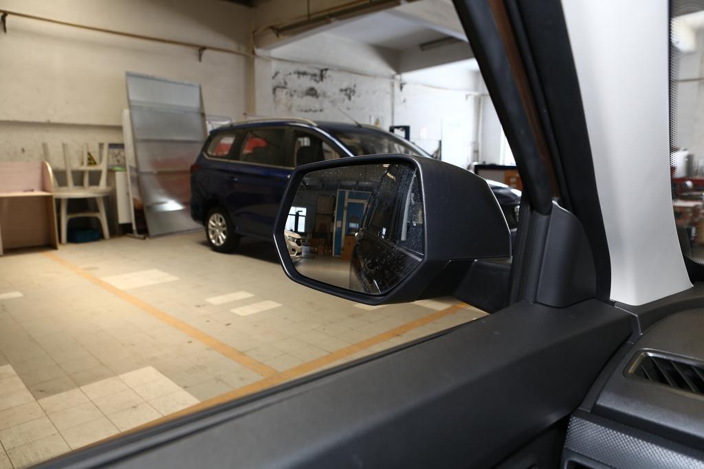 五菱汽车五菱宏光外观图片