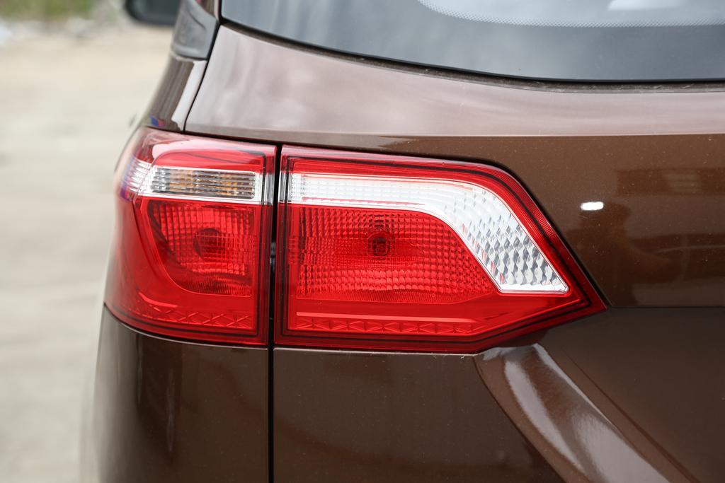 五菱汽车五菱宏光S3外观图片