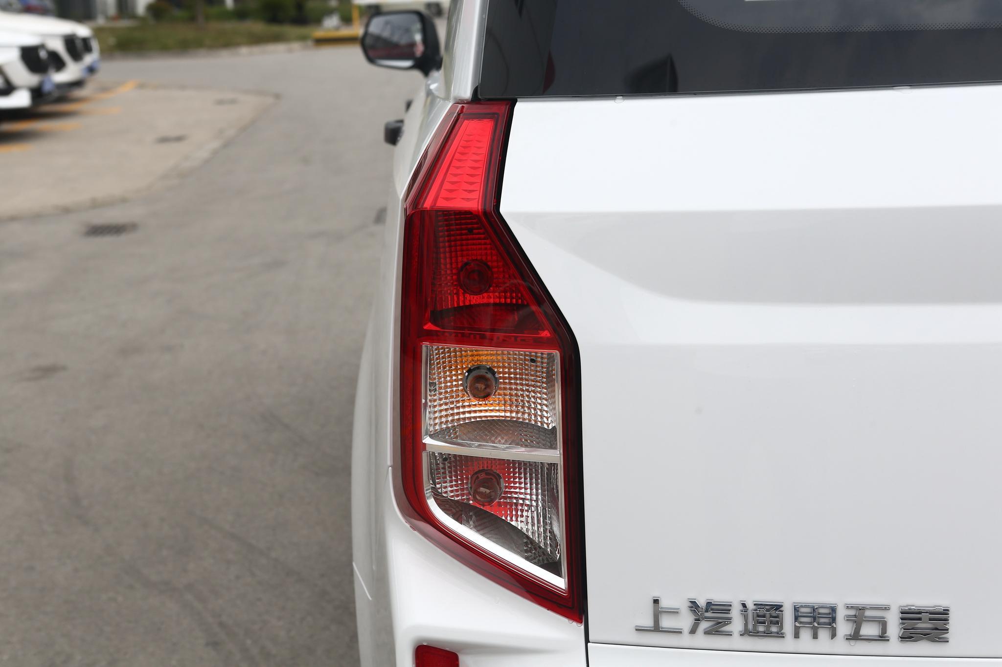 五菱汽车五菱宏光PLUS外观图片